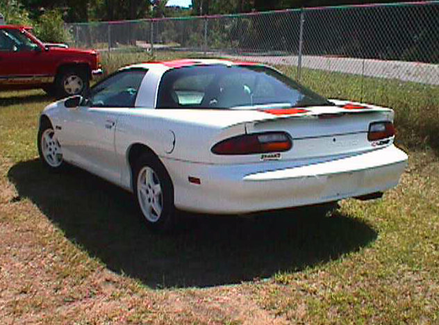 1997 Chevrolet Camaro Z28 LT1, Automatic presented as lot T71 at St. Charles, IL 2011 - image2