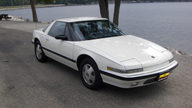 1989 Buick Reatta 3.8L, Automatic presented as lot T68 at St. Charles, IL 2011 - thumbail image4