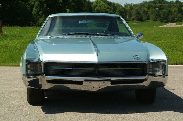1967 Buick Riviera presented as lot T94 at St. Charles, IL 2011 - image2