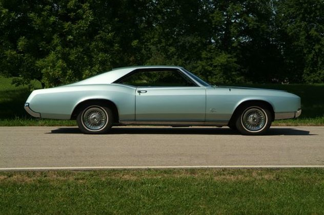 1967 Buick Riviera presented as lot T94 at St. Charles, IL 2011 - image3