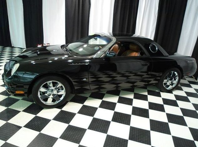 2003 Ford Thunderbird Convertible Automatic presented as lot T101 at St. Charles, IL 2011 - image2