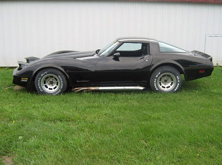 1981 Chevrolet Corvette 350 CI, Automatic presented as lot T102 at St. Charles, IL 2011 - image4