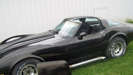 1981 Chevrolet Corvette 350 CI, Automatic presented as lot T102 at St. Charles, IL 2011 - thumbail image5