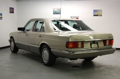 1988 Mercedes-Benz 300 SEL 4-Door presented as lot T104 at St. Charles, IL 2011 - image3