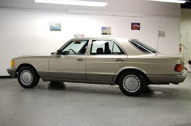 1988 Mercedes-Benz 300 SEL 4-Door presented as lot T104 at St. Charles, IL 2011 - image7