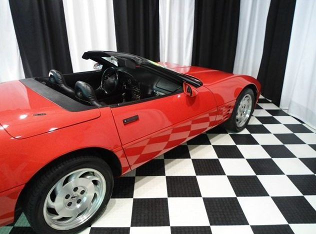 1994 Chevrolet Corvette Convertible 5.7L, 6-Speed presented as lot T109 at St. Charles, IL 2011 - image3