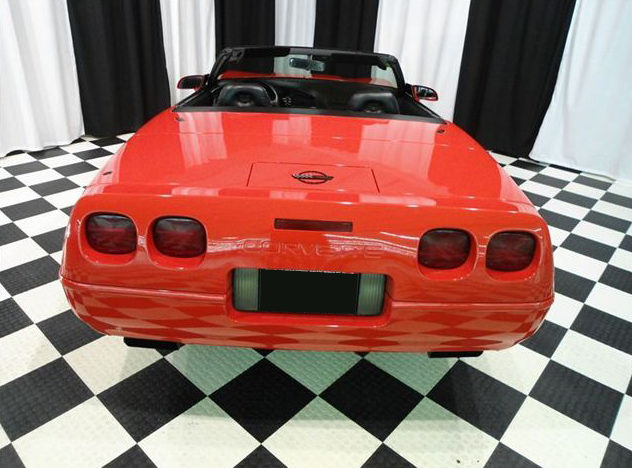 1994 Chevrolet Corvette Convertible 5.7L, 6-Speed presented as lot T109 at St. Charles, IL 2011 - image4