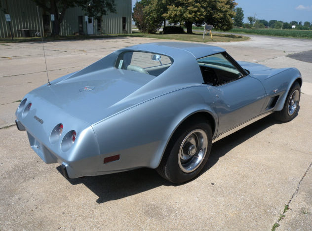 1977 Chevrolet Corvette Coupe 350 CI, Automatic presented as lot T114 at St. Charles, IL 2011 - image2