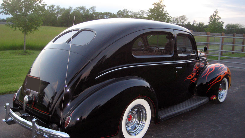 1939 Ford  2-Door Sedan 350 CI, Automatic presented as lot T118 at St. Charles, IL 2011 - image2