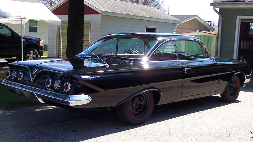 1961 Chevrolet Bel Air 2-Door Hardtop 409/340 HP, 4-Speed presented as lot T120 at St. Charles, IL 2011 - image2