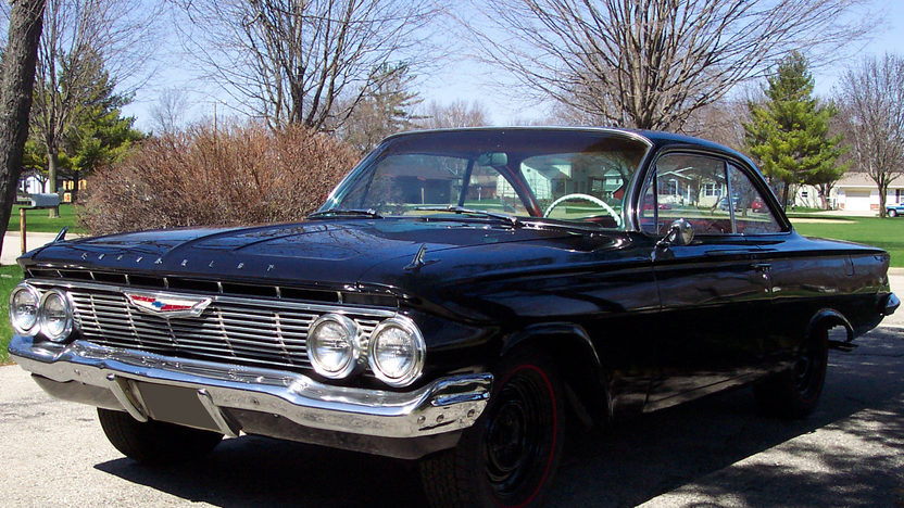 1961 Chevrolet Bel Air 2-Door Hardtop 409/340 HP, 4-Speed presented as lot T120 at St. Charles, IL 2011 - image6