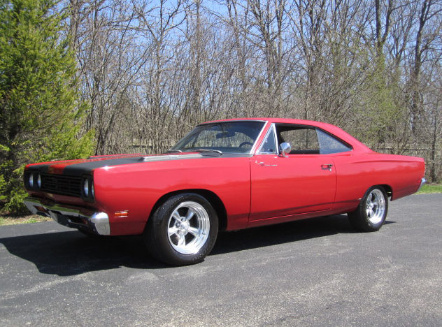 1969 Plymouth Road Runner 383/335 HP, Automatic presented as lot T198 at St. Charles, IL 2011 - image7