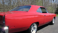 1969 Plymouth Road Runner 383/335 HP, Automatic presented as lot T198 at St. Charles, IL 2011 - thumbail image3