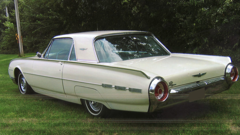1962 Ford Thunderbird 2-Door Hardtop 390/325 HP, Automatic presented as lot T128 at St. Charles, IL 2011 - image2