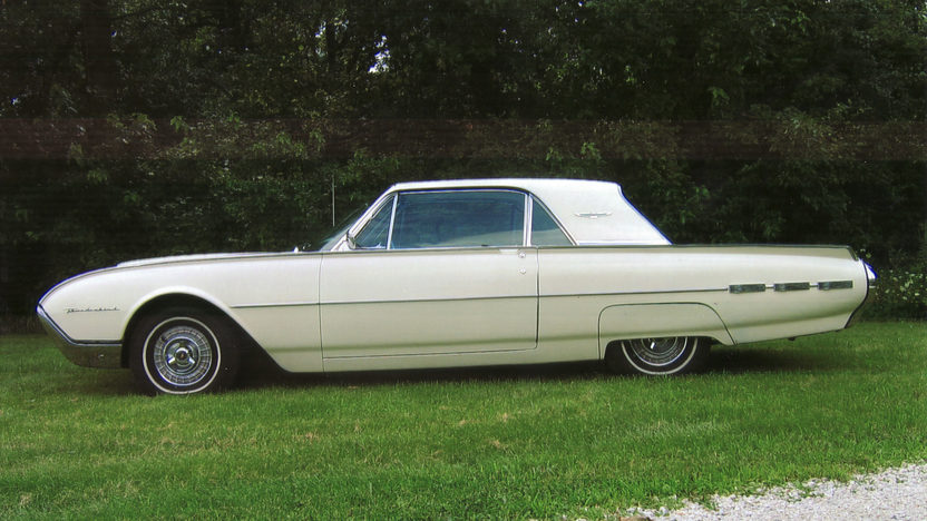 1962 Ford Thunderbird 2-Door Hardtop 390/325 HP, Automatic presented as lot T128 at St. Charles, IL 2011 - image3