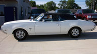 1969 Oldsmobile Cutlass Convertible 4-Speed presented as lot T131 at St. Charles, IL 2011 - thumbail image2