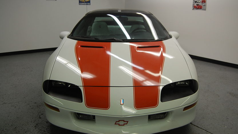1997 Chevrolet Camaro Z28 Automatic presented as lot F77 at St. Charles, IL 2011 - image2