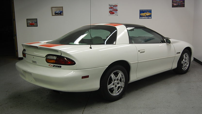 1997 Chevrolet Camaro Z28 Automatic presented as lot F77 at St. Charles, IL 2011 - image3