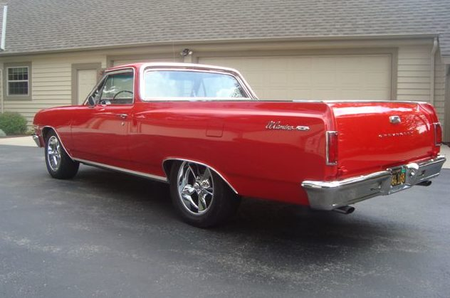1965 Chevrolet El Camino 327/350 HP, 4-Speed presented as lot T141 at St. Charles, IL 2011 - image2