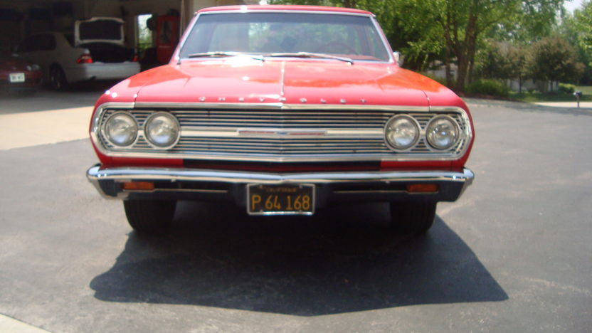 1965 Chevrolet El Camino 327/350 HP, 4-Speed presented as lot T141 at St. Charles, IL 2011 - image3