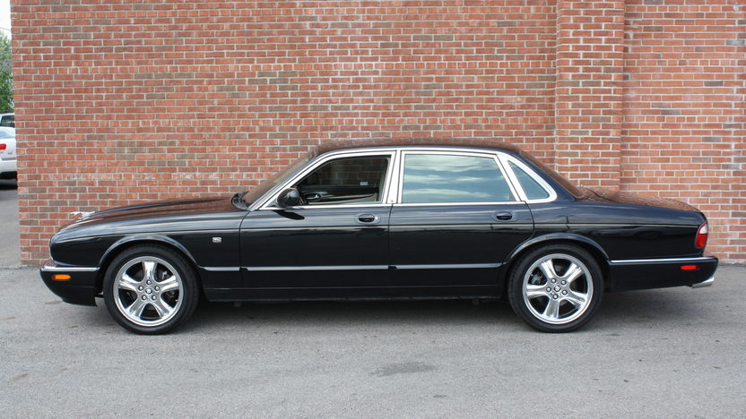 1998 Jaguar XJR 4.0/370 HP, Automatic presented as lot T160 at St. Charles, IL 2011 - image3