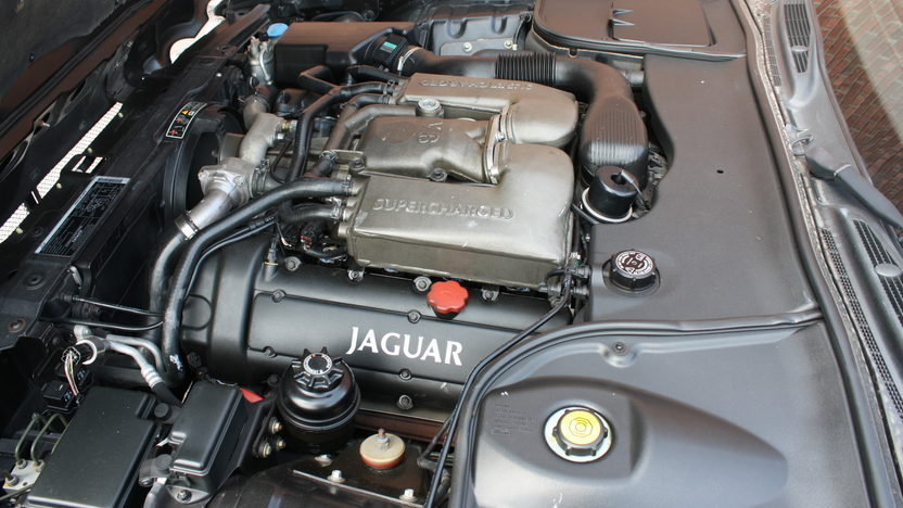 1998 Jaguar XJR 4.0/370 HP, Automatic presented as lot T160 at St. Charles, IL 2011 - image7