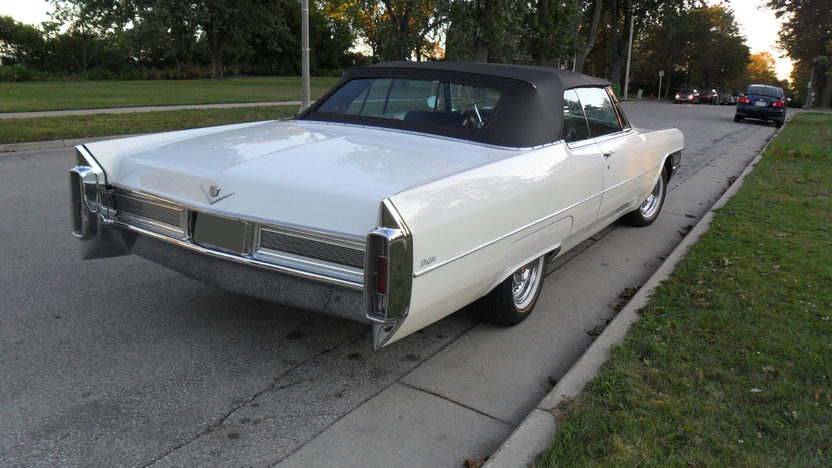 1965 Cadillac Deville Convertible 429/375 HP, Automatic presented as lot T285 at St. Charles, IL 2011 - image2