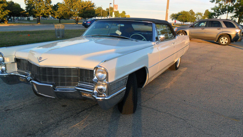 1965 Cadillac Deville Convertible 429/375 HP, Automatic presented as lot T285 at St. Charles, IL 2011 - image4