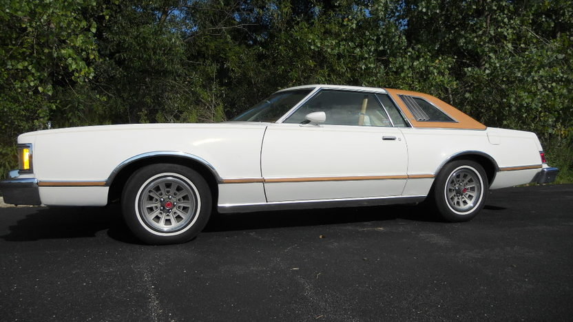 1977 Mercury Cougar Automatic presented as lot T293 at St. Charles, IL 2011 - image2