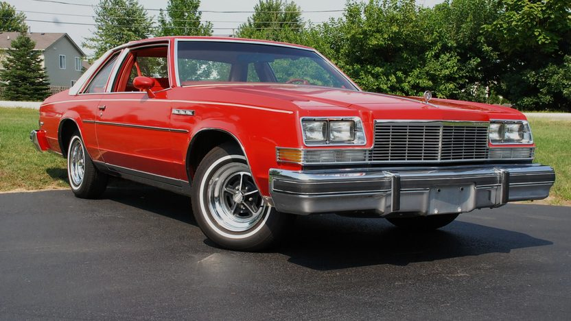 1977 Buick Lesabre presented as lot T179 at St. Charles, IL 2011 - image6