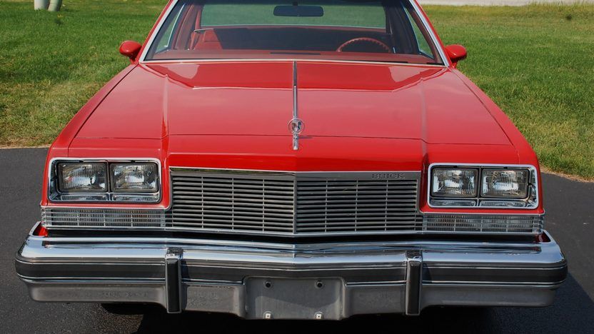 1977 Buick Lesabre presented as lot T179 at St. Charles, IL 2011 - image7