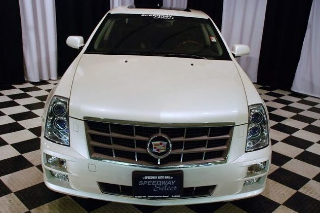 2010 Cadillac STS Sedan presented as lot T186 at St. Charles, IL 2011 - image2