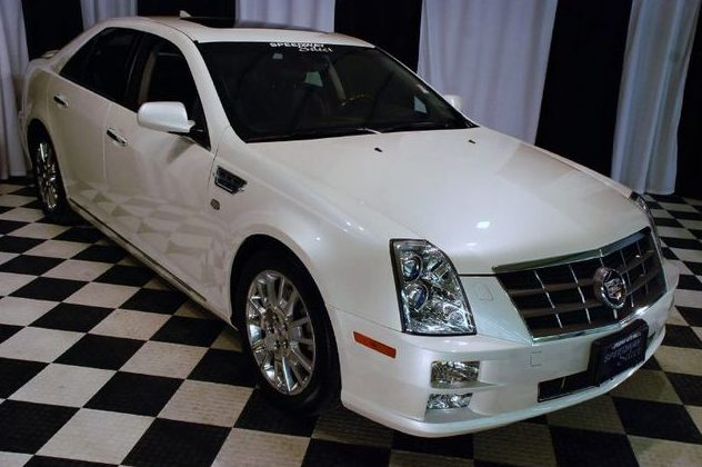 2010 Cadillac STS Sedan presented as lot T186 at St. Charles, IL 2011 - image3