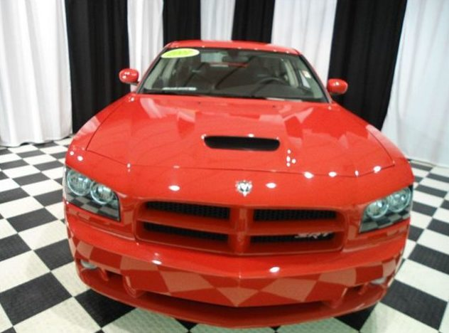 2007 Dodge Charger SRT-8 6.1L HEMI presented as lot T192 at St. Charles, IL 2011 - image2