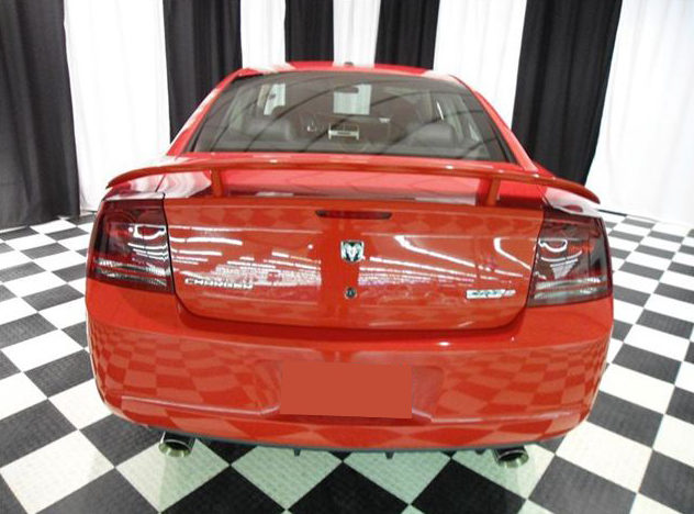 2007 Dodge Charger SRT-8 6.1L HEMI presented as lot T192 at St. Charles, IL 2011 - image3