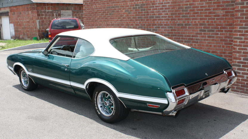 1971 Oldsmobile 442 455/335 HP, Automatic presented as lot T194 at St. Charles, IL 2011 - image2