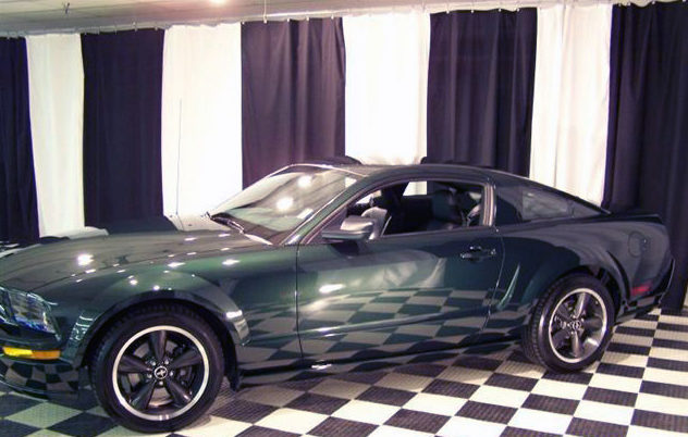 2008 Ford Mustang GT Coupe 5-Speed presented as lot T205 at St. Charles, IL 2011 - image3