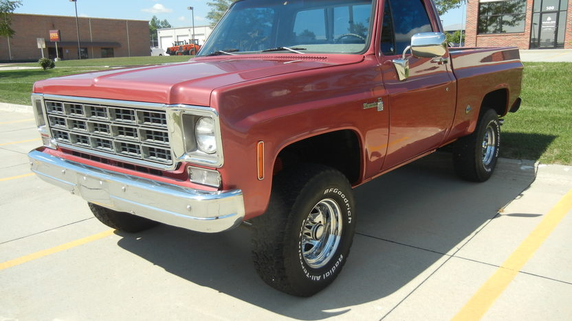 1977 Chevrolet Silverado 4x4 400 CI, Automatic presented as lot T217 at St. Charles, IL 2011 - image4