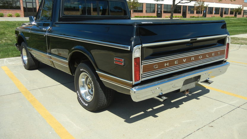 1969 Chevrolet CST/10 Shortbox 400 CI, Automatic presented as lot T220 at St. Charles, IL 2011 - image4