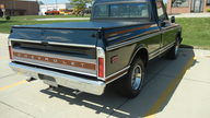 1969 Chevrolet CST/10 Shortbox 400 CI, Automatic presented as lot T220 at St. Charles, IL 2011 - thumbail image3