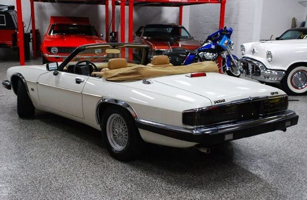1992 Jaguar XJS Convertible 5.3L, Automatic presented as lot T235 at St. Charles, IL 2011 - image2