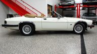 1992 Jaguar XJS Convertible 5.3L, Automatic presented as lot T235 at St. Charles, IL 2011 - thumbail image4