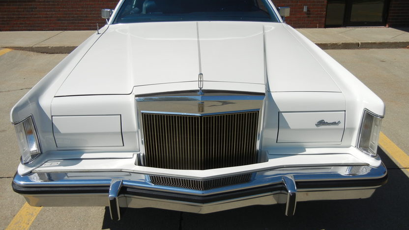 1979 Lincoln Mark V Coupe 400 CI, Automatic presented as lot T238 at St. Charles, IL 2011 - image4