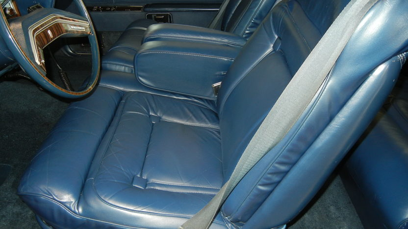 1979 Lincoln Mark V Coupe 400 CI, Automatic presented as lot T238 at St. Charles, IL 2011 - image5