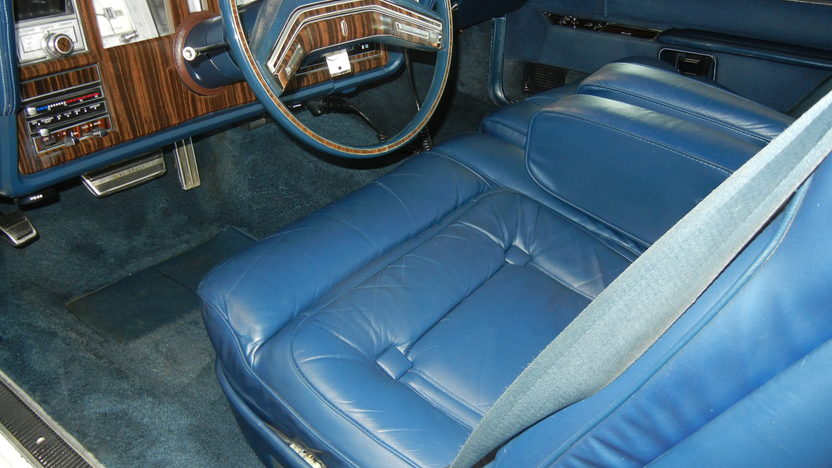 1979 Lincoln Mark V Coupe 400 CI, Automatic presented as lot T238 at St. Charles, IL 2011 - image6