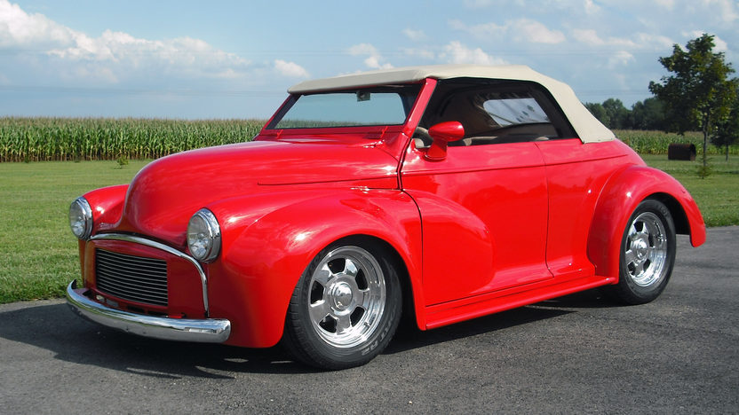 1953 Morris Minor Convertible 2.2/200 HP, Automatic presented as lot T250 at St. Charles, IL 2011 - image2