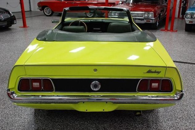 1972 Ford Mustang Convertible 250 CI, 3-Speed presented as lot T254 at St. Charles, IL 2011 - image4