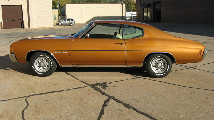 1972 Chevrolet Chevelle 2-Door Hardtop 350 CI, Automatic presented as lot T256 at St. Charles, IL 2011 - image6