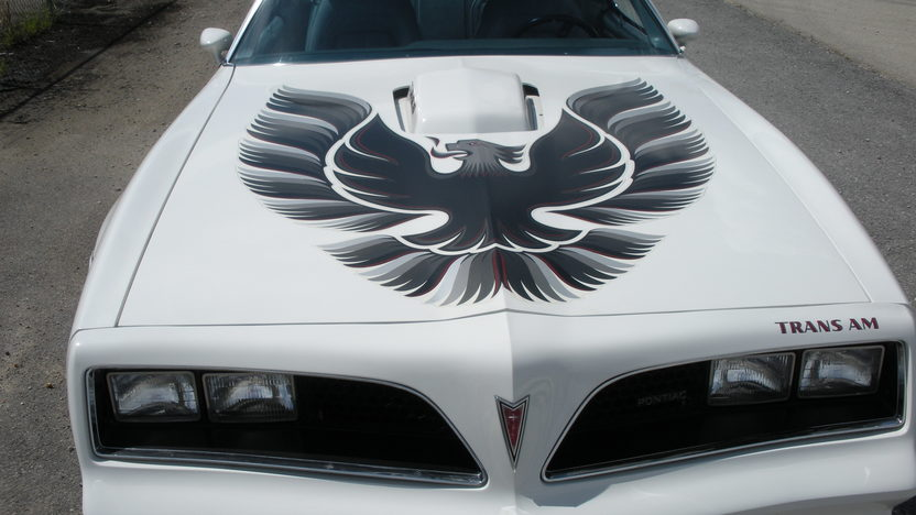 1977 Pontiac Trans Am 400/180 HP, Automatic presented as lot T262 at St. Charles, IL 2011 - image2