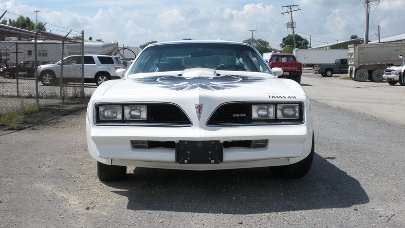 1977 Pontiac Trans Am 400/180 HP, Automatic presented as lot T262 at St. Charles, IL 2011 - image8
